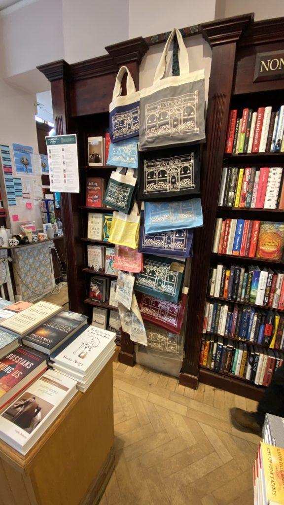 Daunt Book Storeのトートバッグ