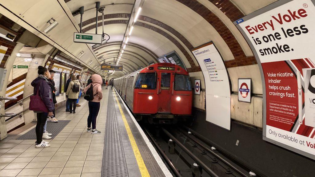 ロンドン 電車 乗り方