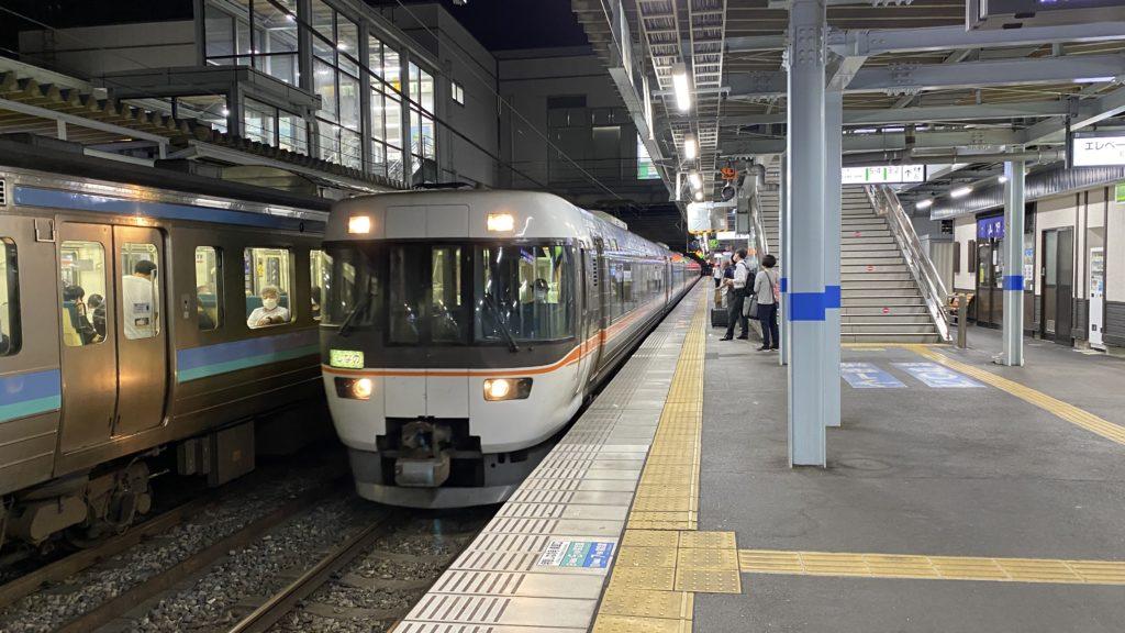 松本駅 特急しなの