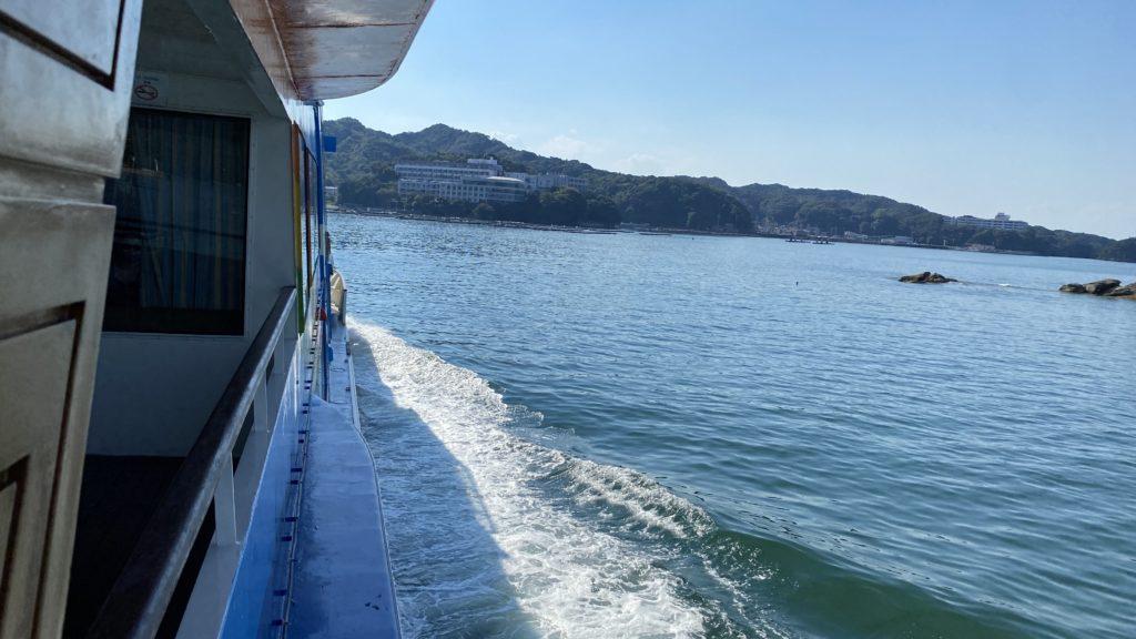 鳥羽湾めぐりのクルーズ船