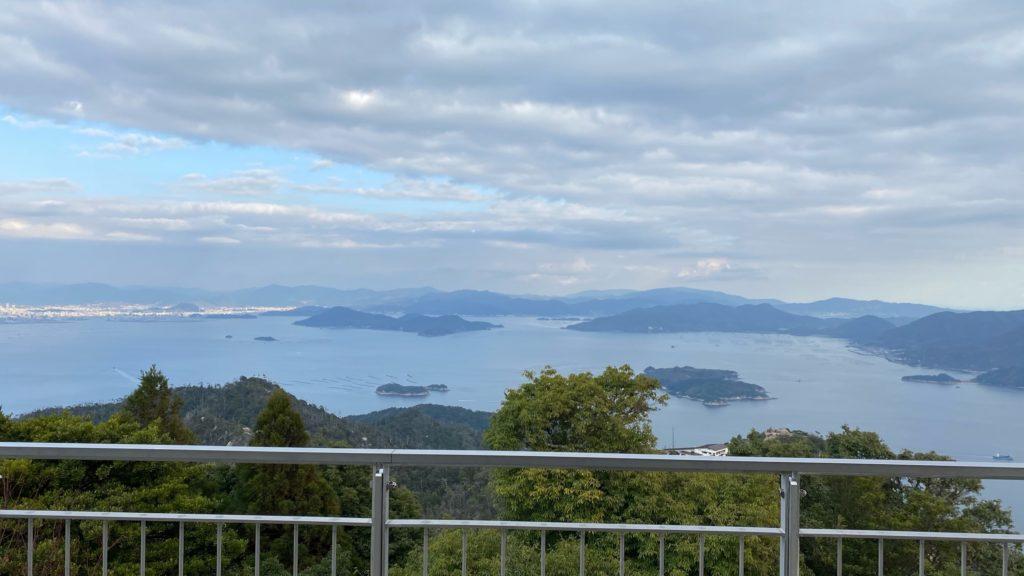 弥山山頂展望台から瀬戸内海を一望