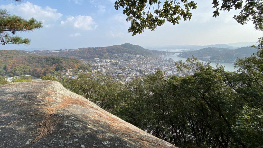 千光寺の巨大な岩