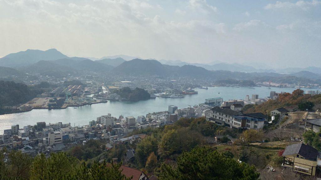 山頂から一望した瀬戸内海