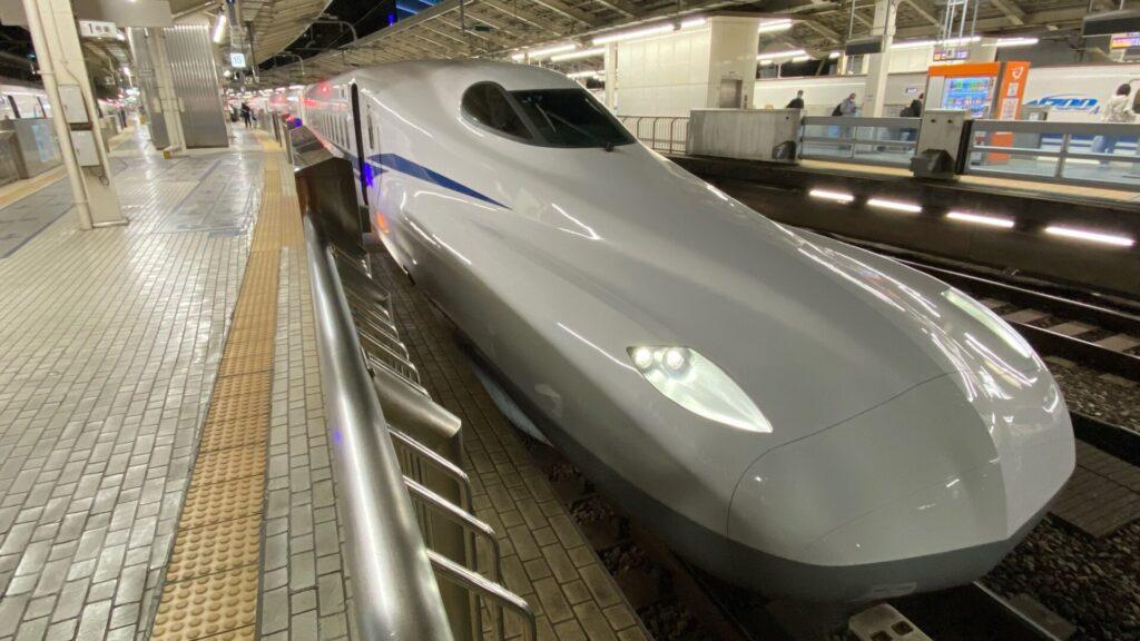東京駅からは新型車両N700Sで名古屋へ