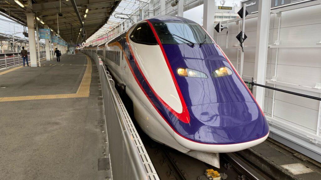 山形新幹線も負けない、座席周りは豪華