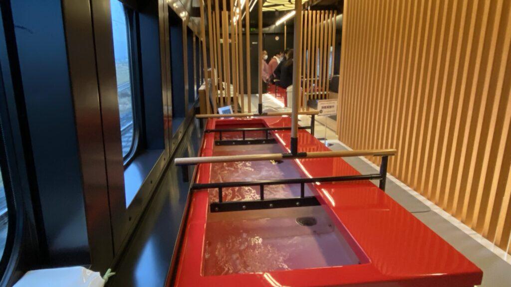 新幹線車内で楽しめる足湯は格別